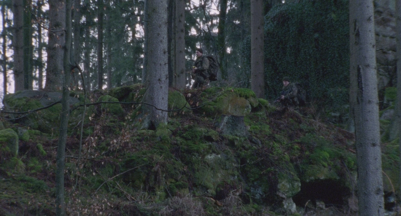 Dog Soldiers 2002 REMASTERED 720p BluRay DTS x264-AMIABLE